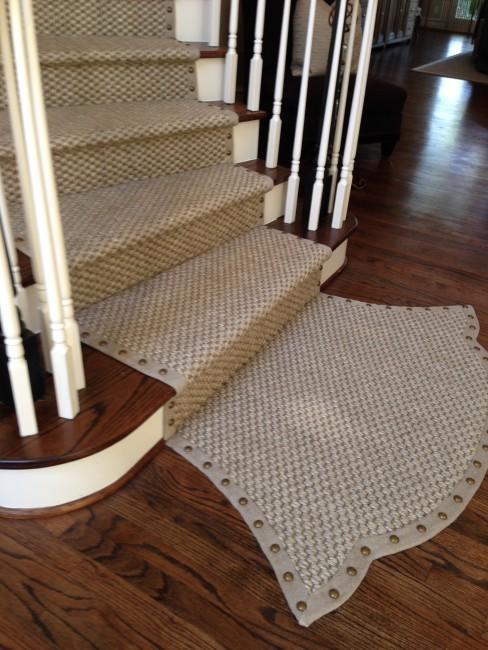 Segreto Secrets - Cool Staircase Runner Idea