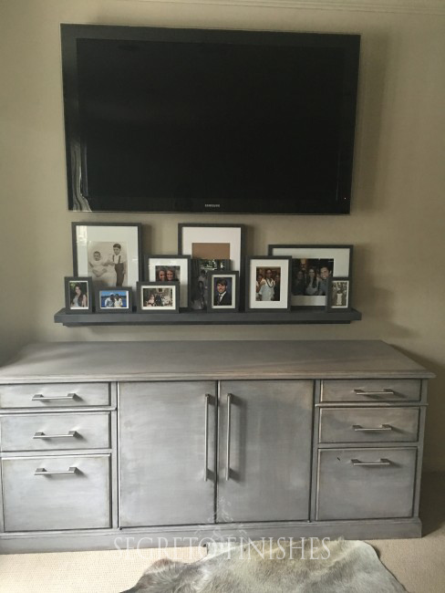 Segreto Secrets - Father's Day Office Makeover - Decorating TV with Picture Frames