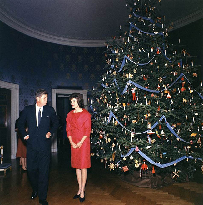 Segreto Secrets - Sentimental Christmas Groupings - Jackie Kennedy Nutcracker Tree