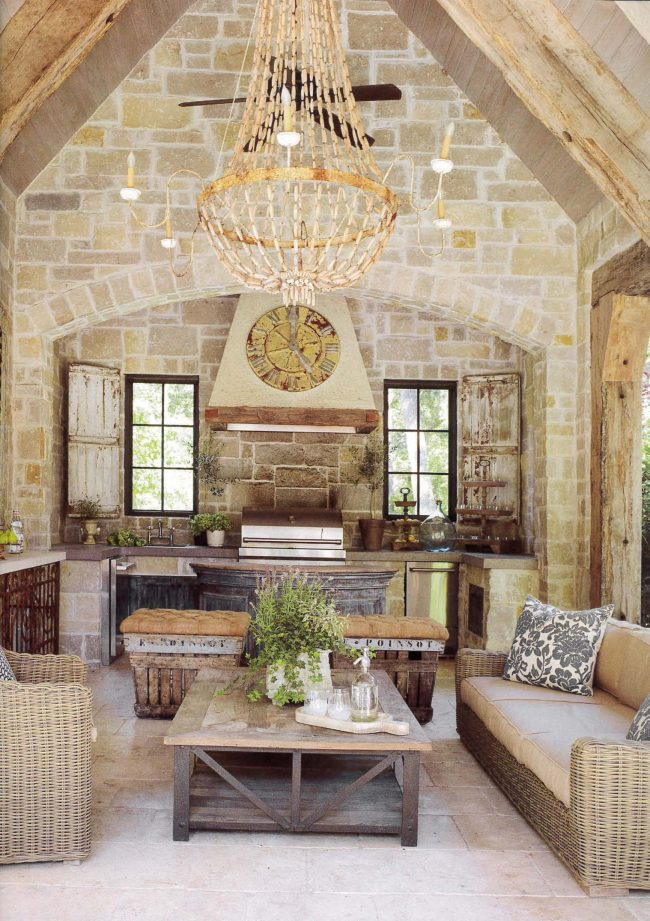 http://segretofinishes.com/wp-content/uploads/2016/09/Country-French-Fall-Winter-2016-Everyday-Escape_Page_09-650x921.jpg