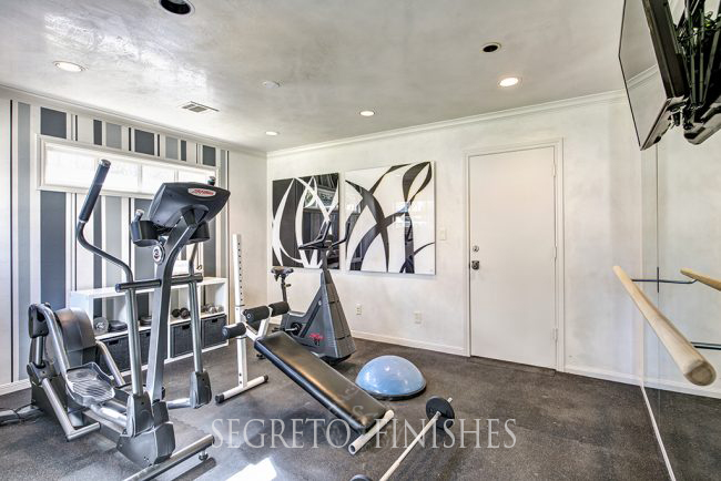 Segreto Secrets - I Love That Sample, Where Can It Go In My House - Plastered Exercise room