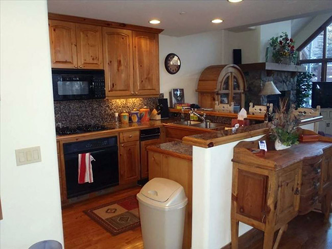 Our new vacation home in the mountains - kitchen before