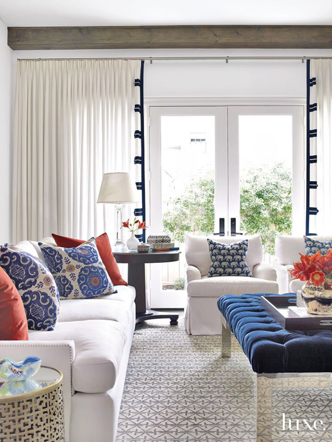 A Transitional Home - Living Room
