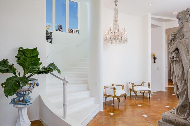 Segreto Secrets - Galveston Beach House - Italianate Ornate Style Staircase