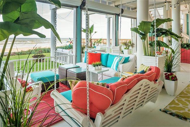 Segreto Secrets - Galveston Beach House - Beachfront Patio