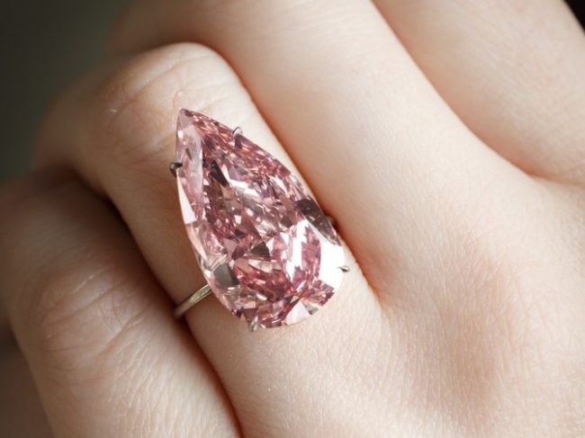 unique-pink-diamond-sothebys-02