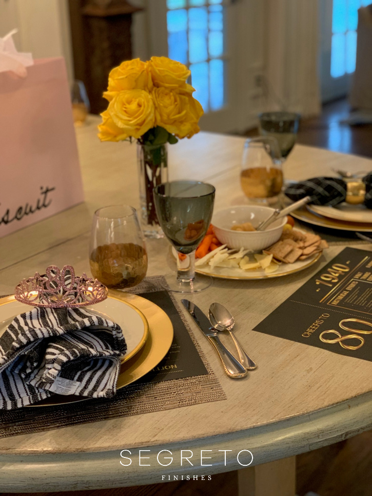 Table-setting for 80th birthday, Stay connected and spread joy!
