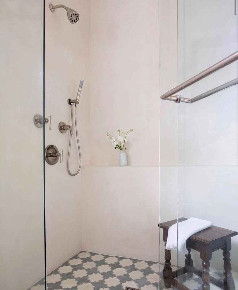 Tadelakt Showers- Marie Flanigan